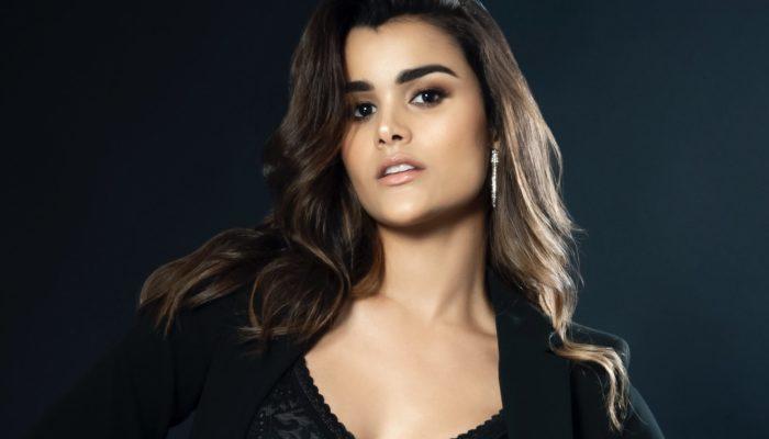 """Clarissa Molina: De """"Nuestra Belleza Latina"""" a Estrella de TV y Cine"""